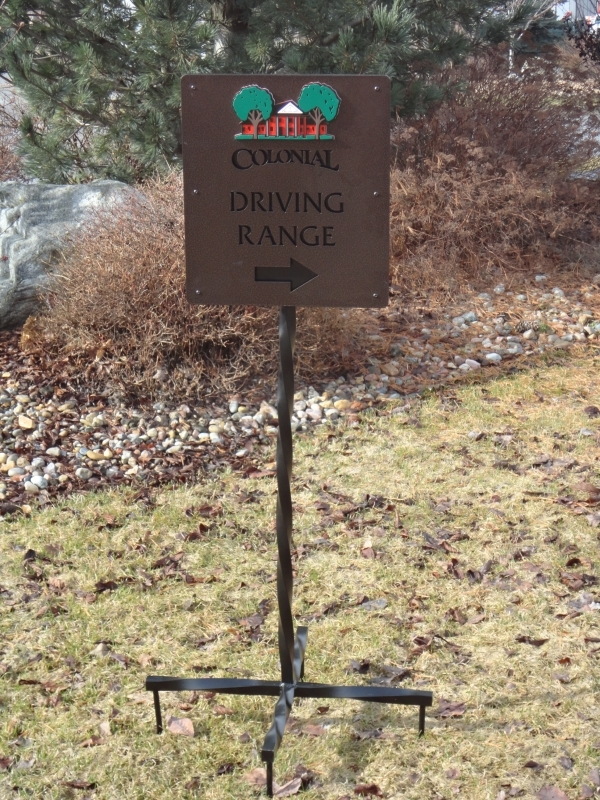 Directional Signs for Golf Courses -Colonial