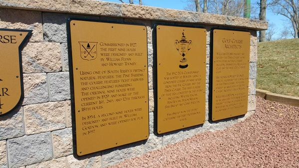 Seaview History Signs up close