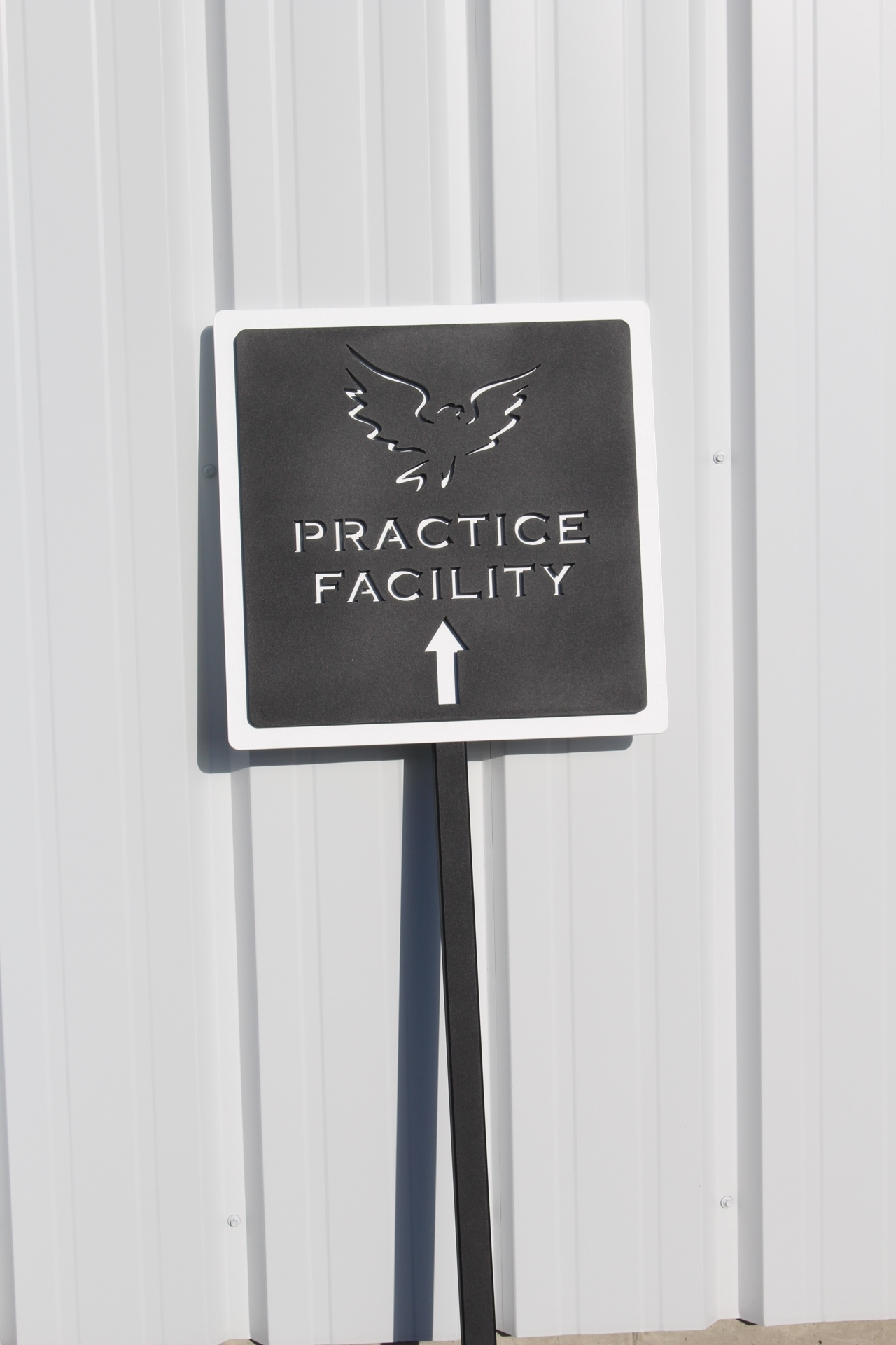 Signs for Golf Courses _shadow hawk