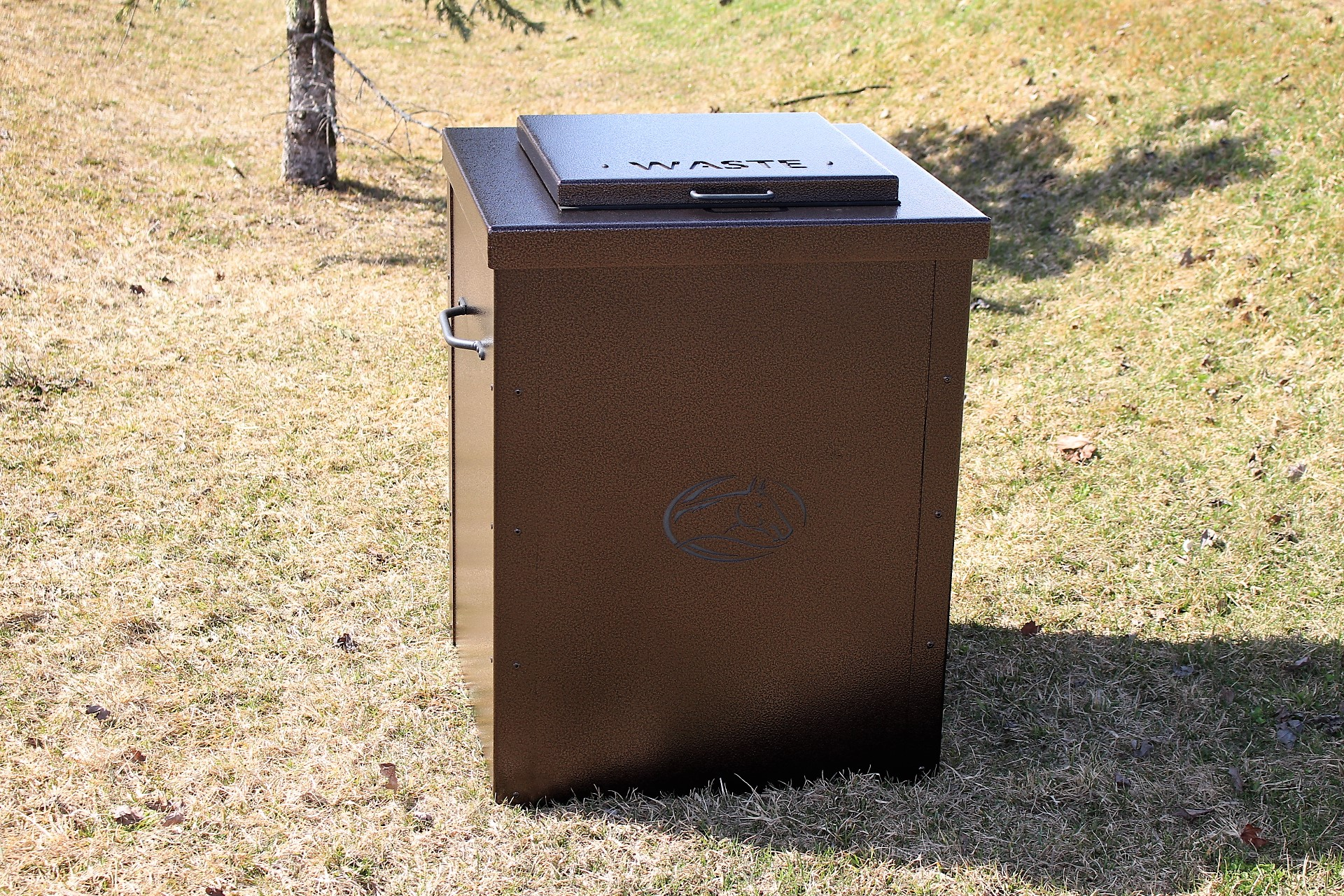 Garbage-Can-Enclosure-Iron-Horse