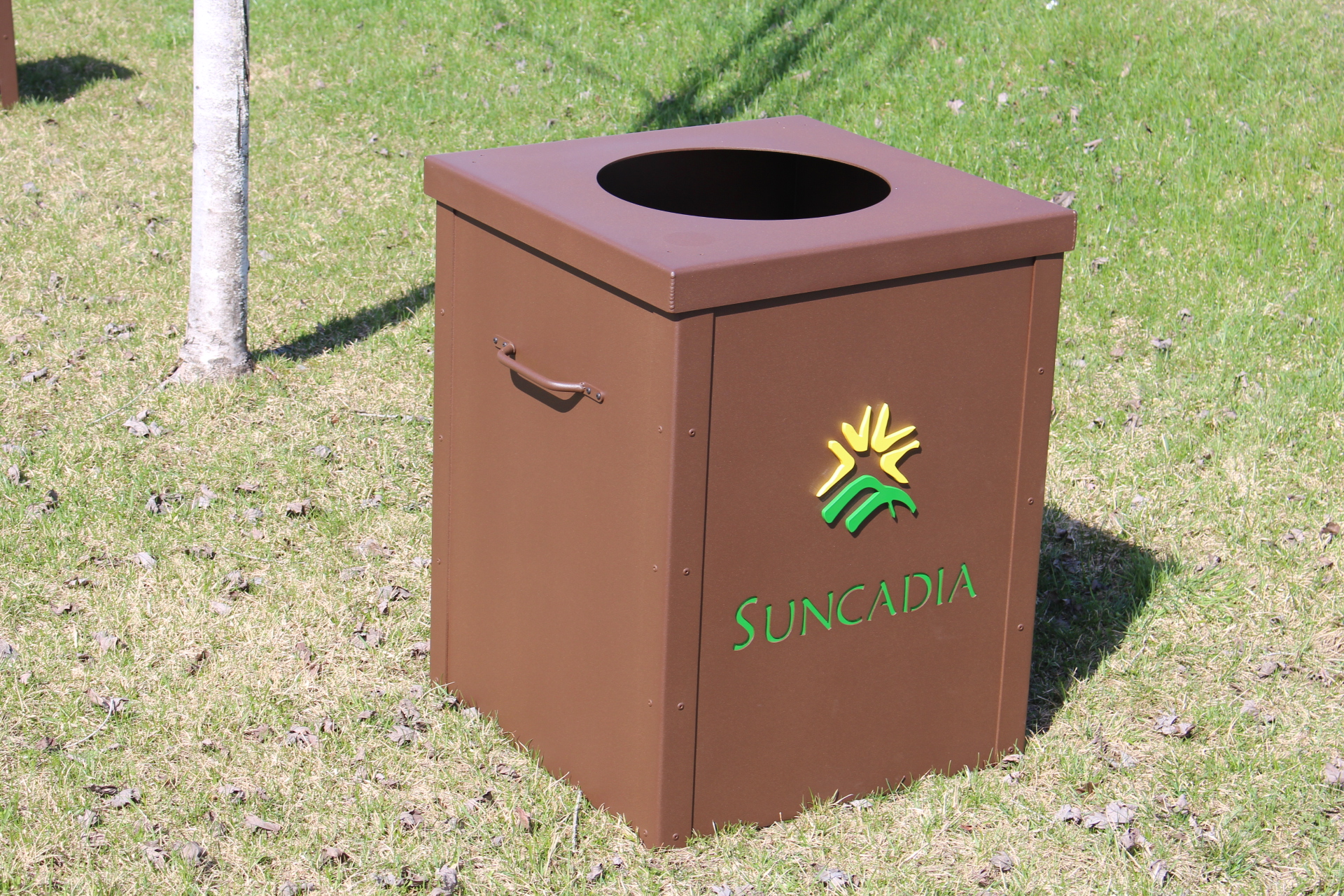 Garbage-Can-Enclosure-SUNCADIA