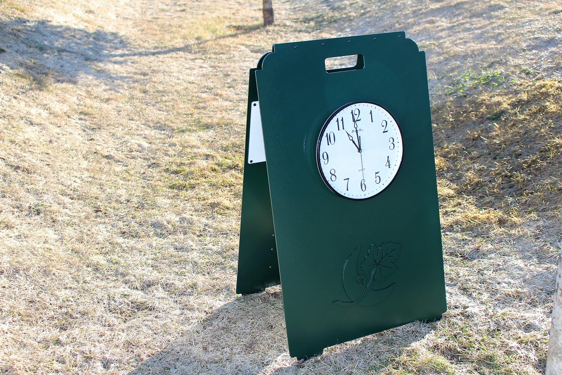 Yardage Clock Sign -Mayacama