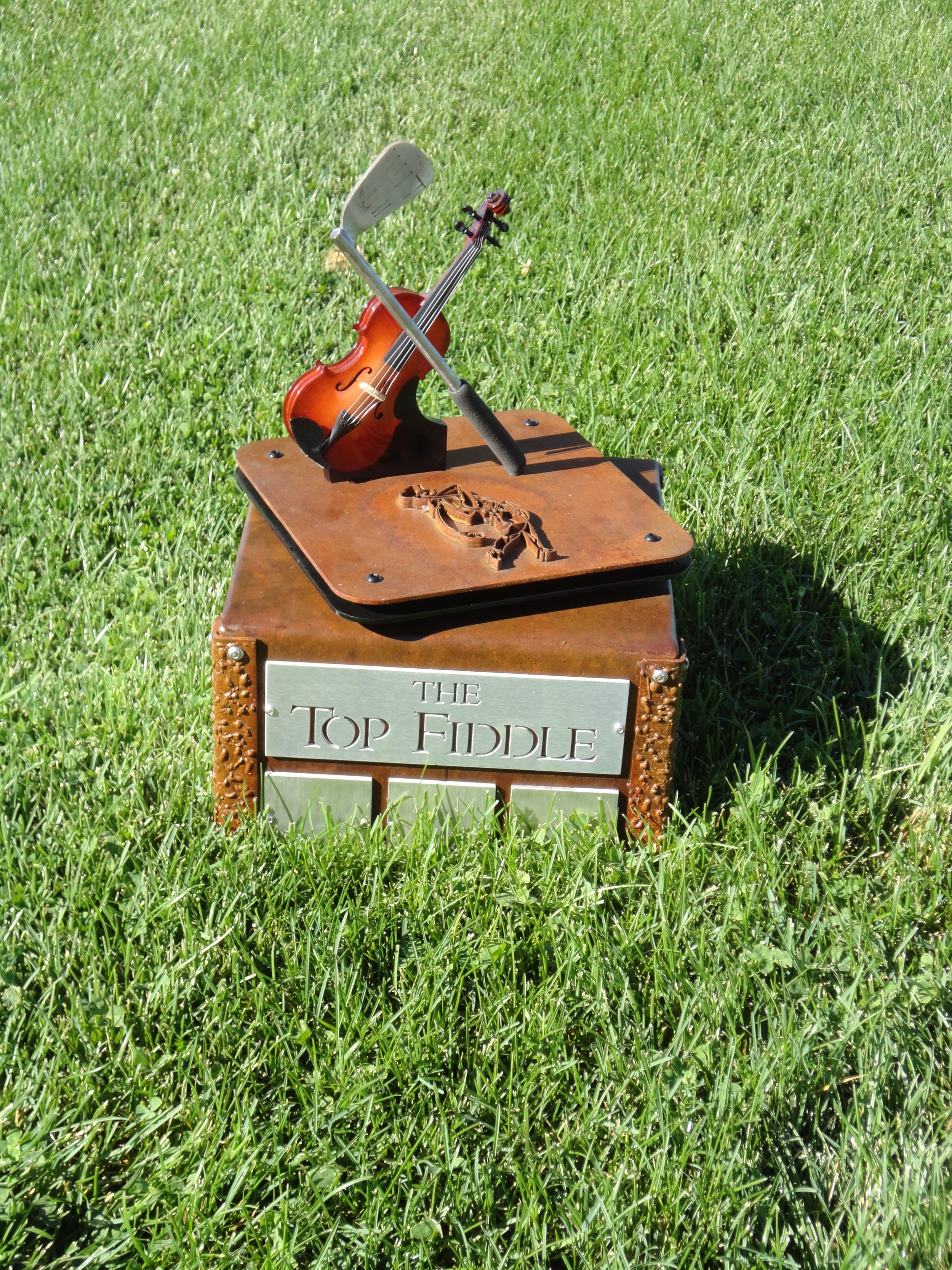 custom-perpetual-trophy-fiddlers-elbow