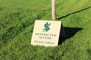 golf-course-signs-sonoma